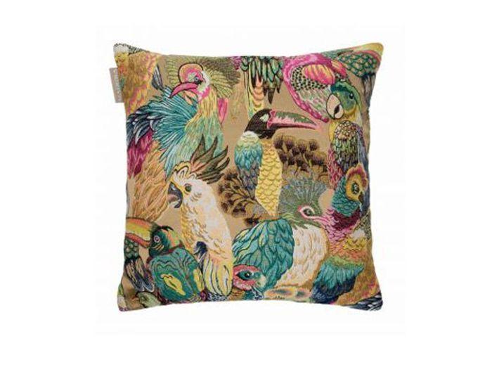 Un coussin avec perroquets brodés effet tapisserie à l'ancienne