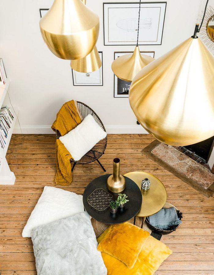 Salon jaune et doré