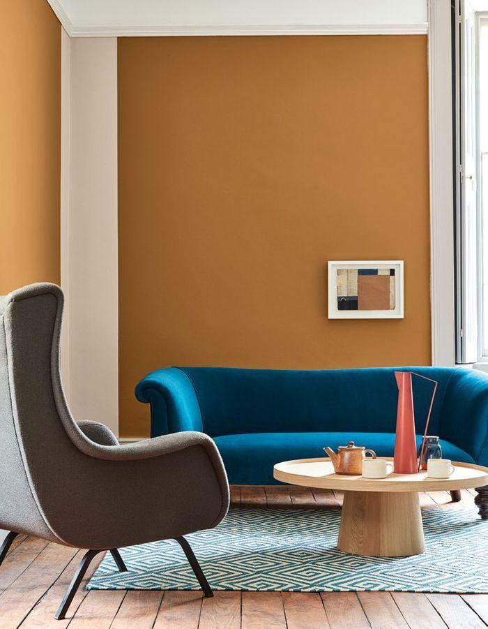 Salon jaune minimaliste