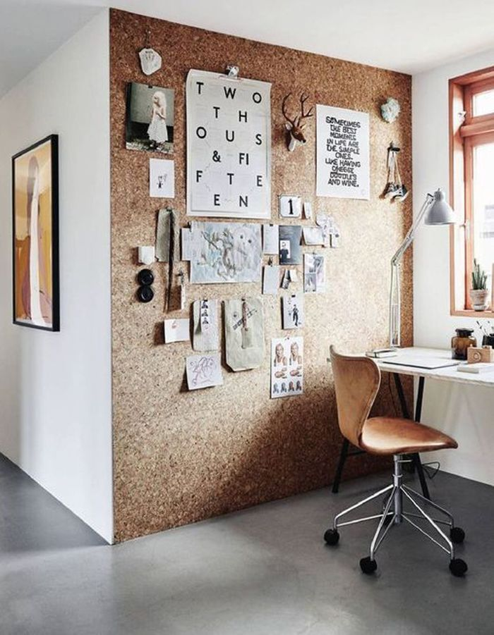 Bureau avec mur en liège