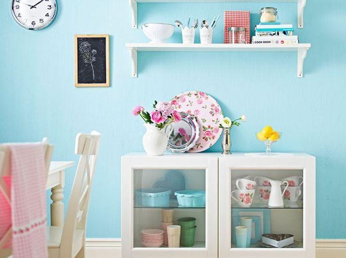 Faites entrer la couleur dans votre int rieur elle d coration - Peindre un mur de couleur dans un salon ...