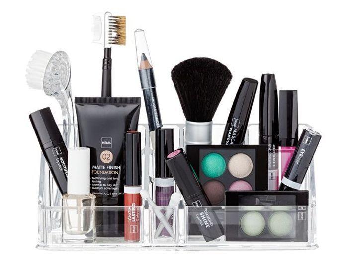 30 rangements maquillage trouvez le votre elle d coration. Black Bedroom Furniture Sets. Home Design Ideas