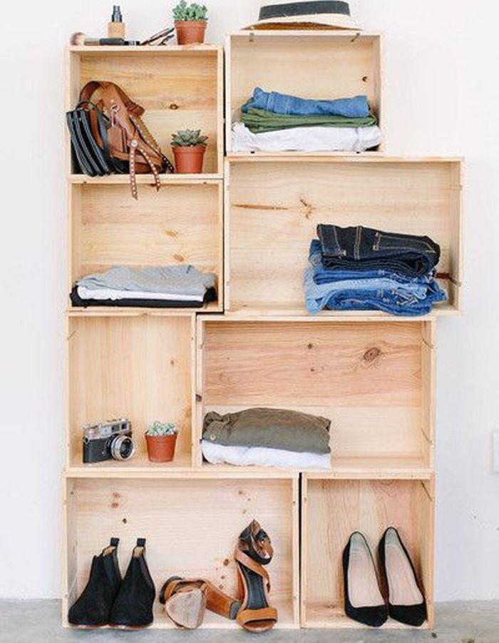 Ranger ses chaussures dans des caisses en bois