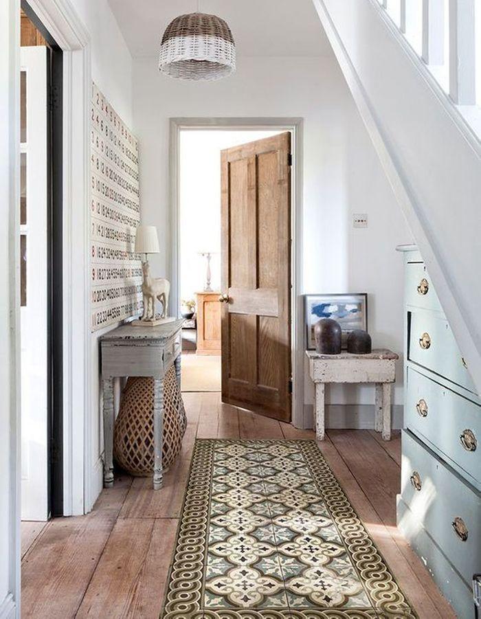 Carreaux de ciment version tapis dans le couloir