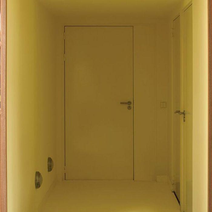 De la couleur au sol elle d coration - Peinture jaune pale ...