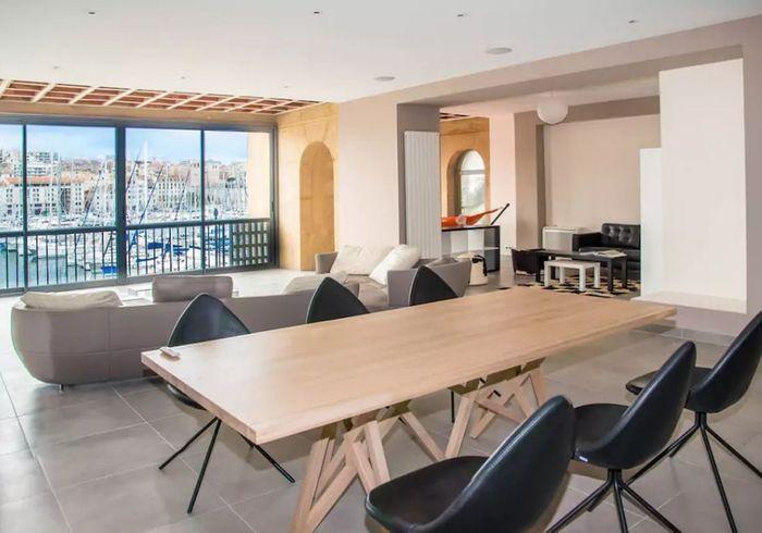 Appartement avec vue imprenable sur le Vieux-Port de Marseille