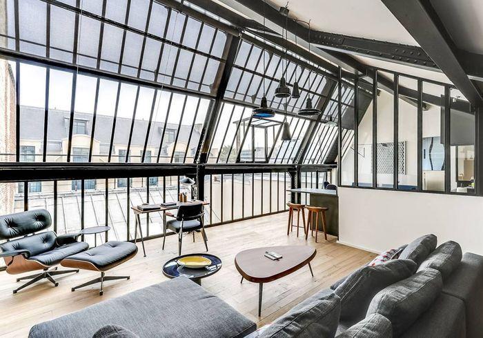 Duplex majestueux avec verrière XXL à Paris