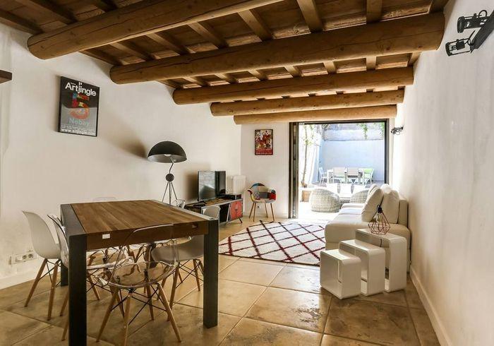 Maison de ville pleine de charme à Avignon