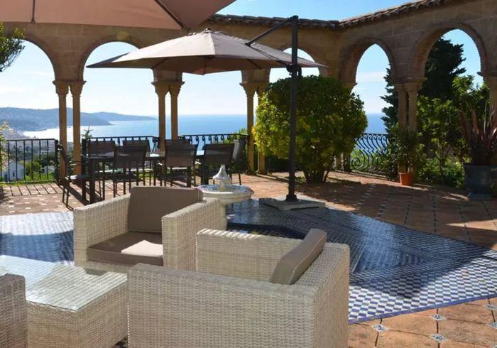 Villa luxueuse sur les hauteurs de Nice