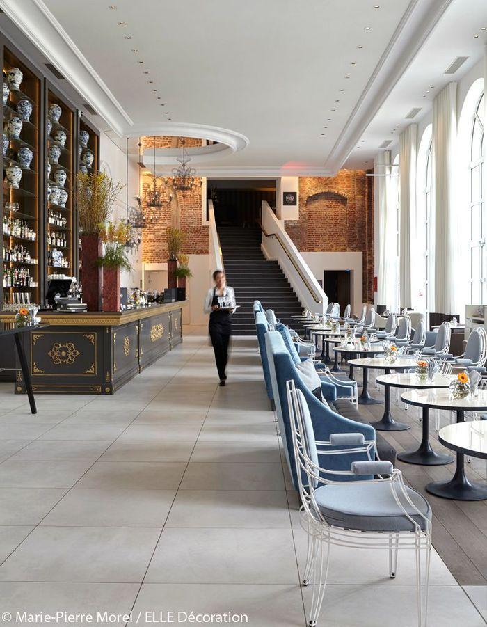Bar de l'hôtel qui mélange les styles