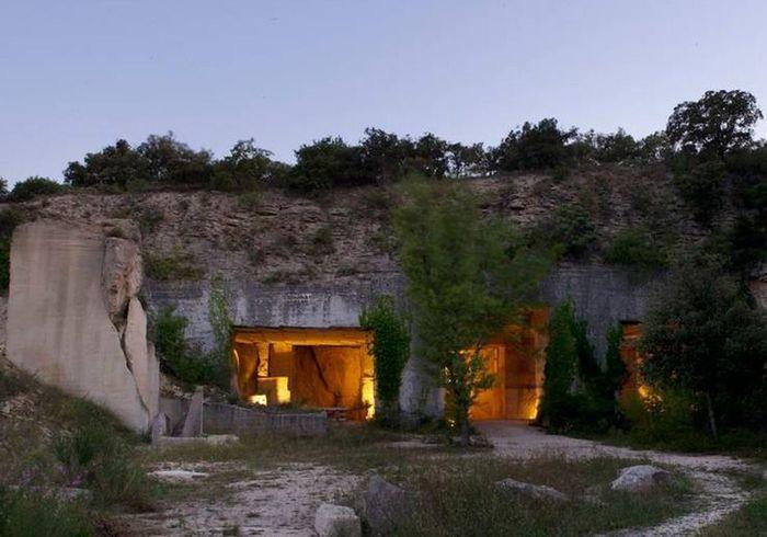 Une maison troglodyte à Bonnieux (France)