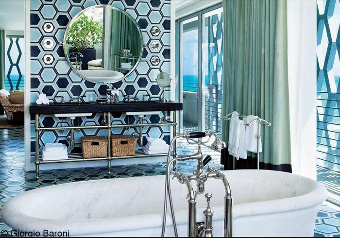 Visite de l h tel soho beach house miami elle d coration for Musique dans la salle de bain