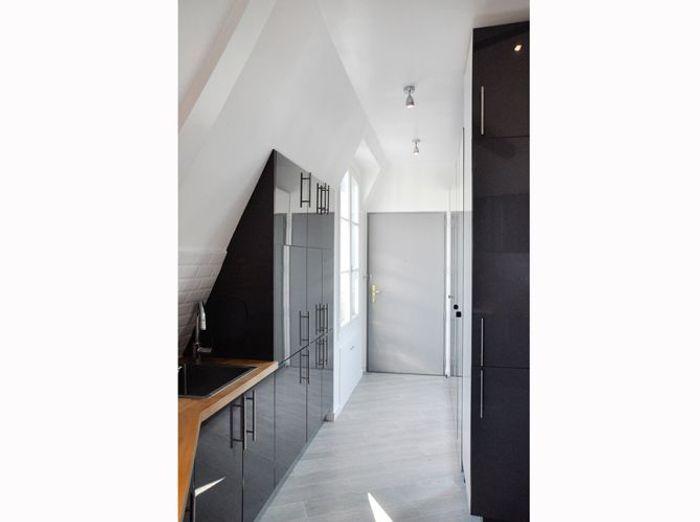 La transformation de chambres de service en appartement design elle d coration - Amenagement chambre de bonne ...