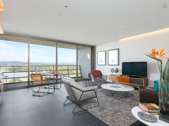 Appartement contemporain avec vue sur le lac
