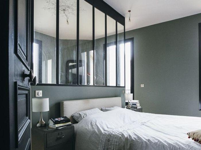 visite d 39 une grande maison de famille qui cache bien son. Black Bedroom Furniture Sets. Home Design Ideas
