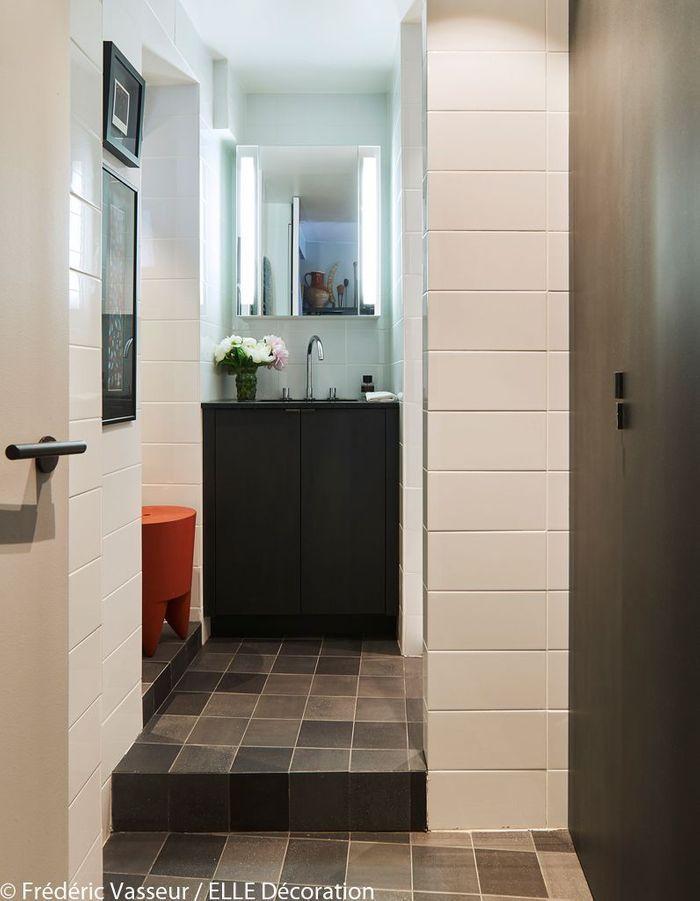 Une salle de bains supercompacte