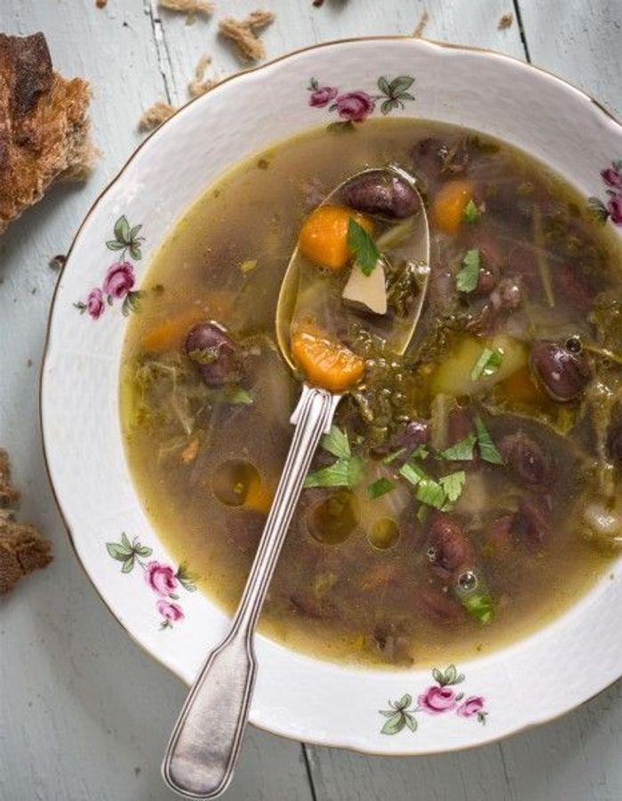 Soupe de légumes : Soupe paysanne aux haricots et jambon de Bayonne