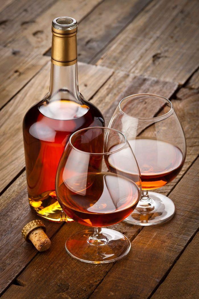combien de calories dans l 39 eau de vie de vin combien de calories pour chaque alcool on vous. Black Bedroom Furniture Sets. Home Design Ideas