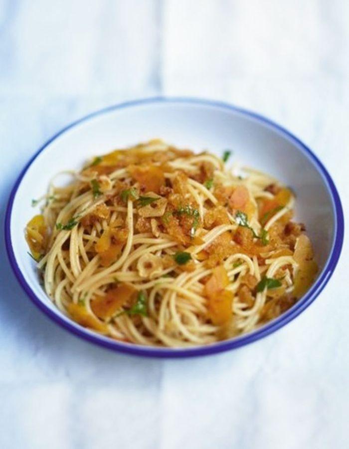 spaghettis a la boutargue comment transcender des p tes au beurre elle table. Black Bedroom Furniture Sets. Home Design Ideas