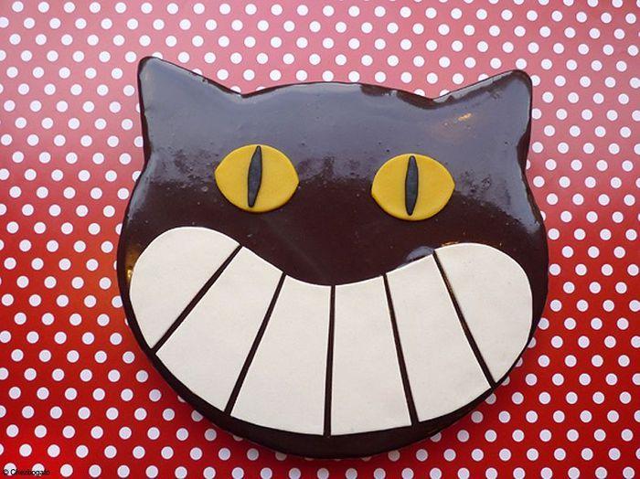 Le gla age au chocolat noir sur un moelleux miroir fa on for Glacage miroir noir