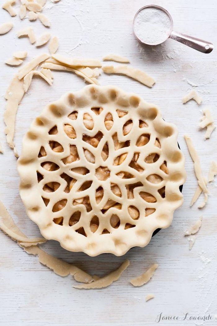 Décoration de tarte dentelle