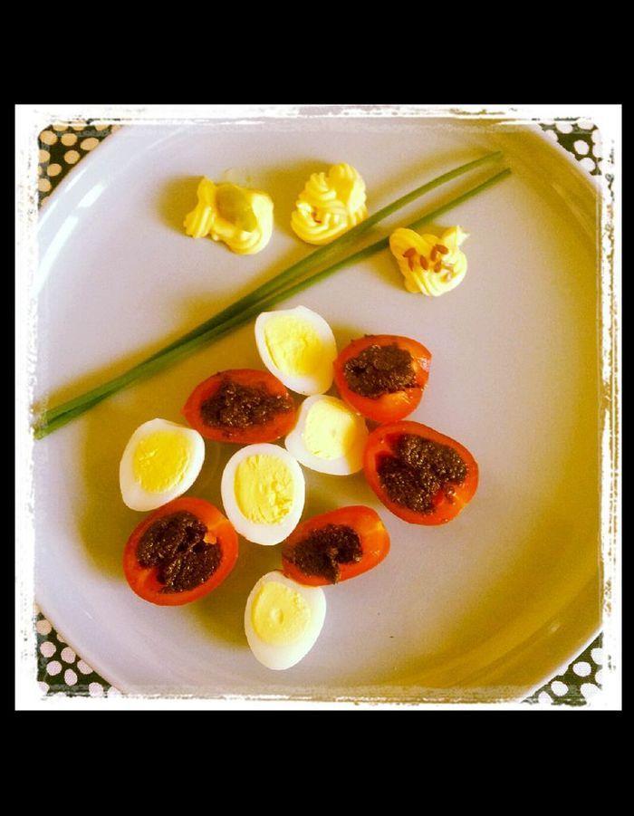tomates cerise oeufs de caille nos 35 bonnes id es pour frimer en cuisine elle table. Black Bedroom Furniture Sets. Home Design Ideas