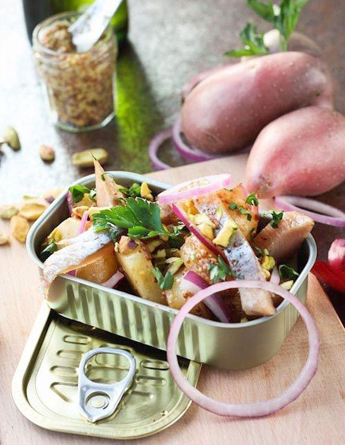 salade hivernale aux harengs et pomme de terre des salades d hiver compl tes qui changent de. Black Bedroom Furniture Sets. Home Design Ideas