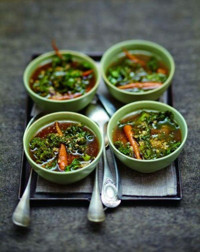 Soupe à l'orge et au kale