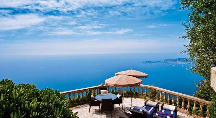 Un h tel en bord de mer eze top 10 des plus beaux for Hotel au bord de mer