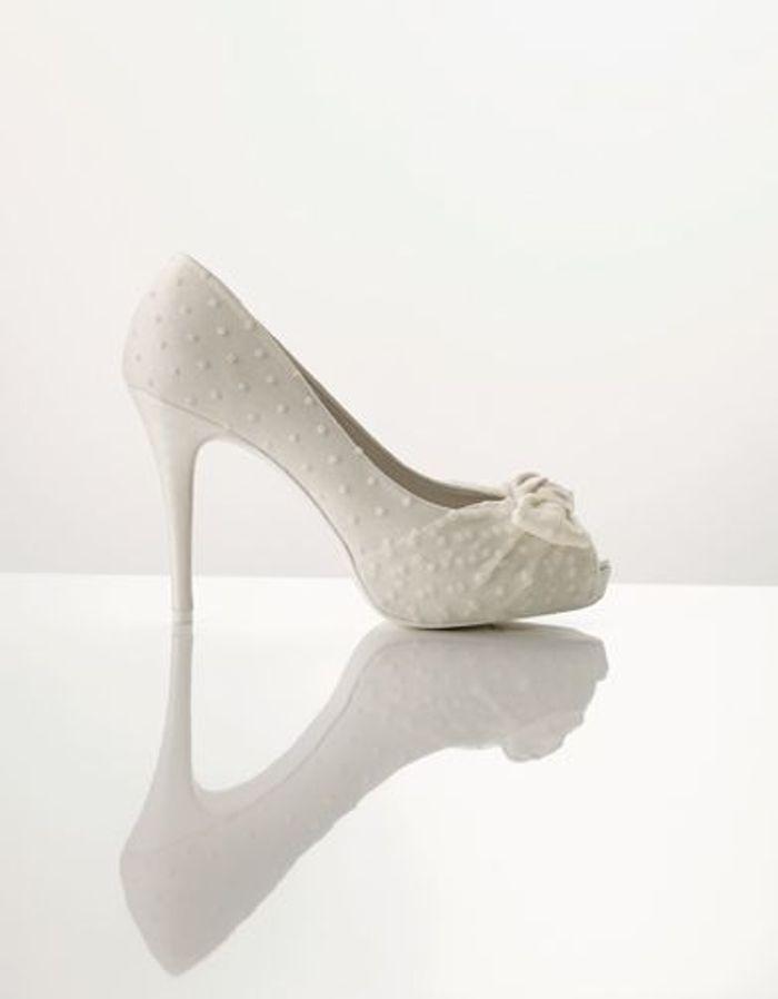 escarpins romantiques le top des chaussures pour se marier elle. Black Bedroom Furniture Sets. Home Design Ideas