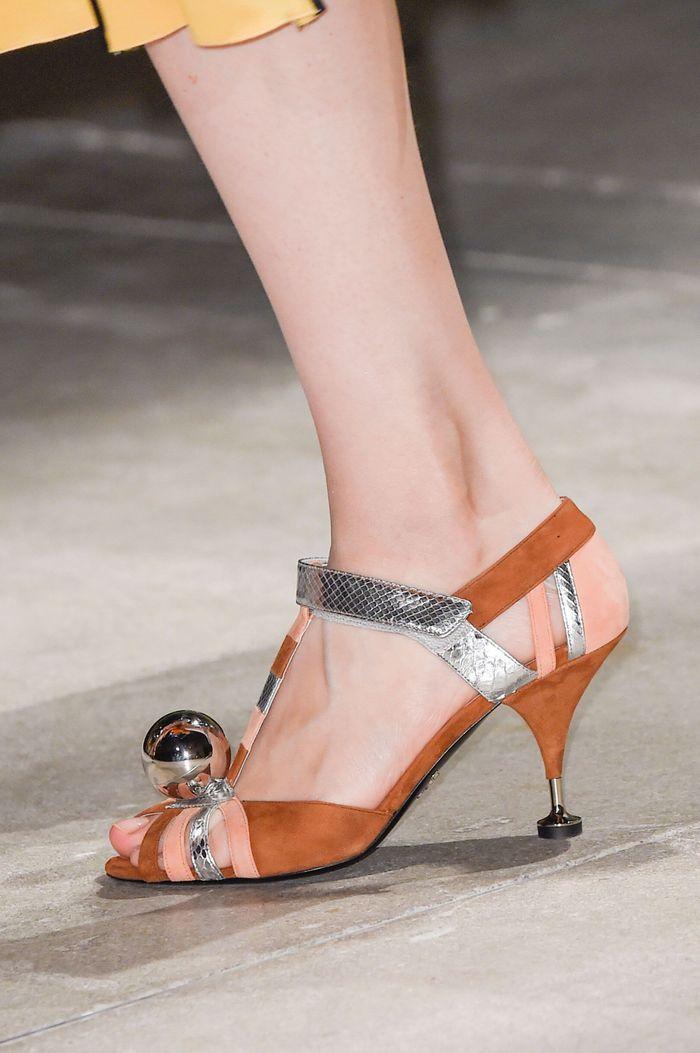 chaussures prada printemps t 2016 les plus beaux. Black Bedroom Furniture Sets. Home Design Ideas