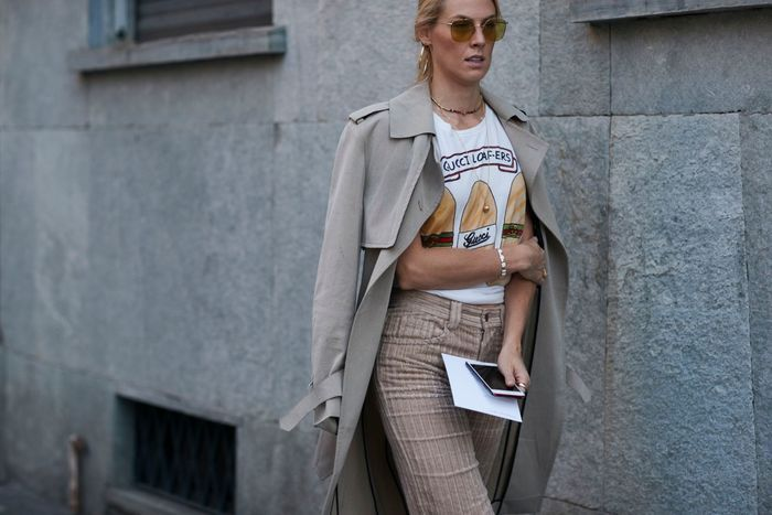 Pantalon en velours + teeshirt + trench