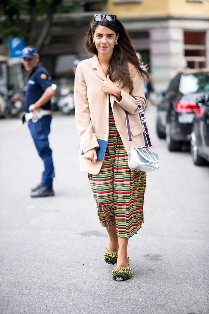 Sur une jupe longue