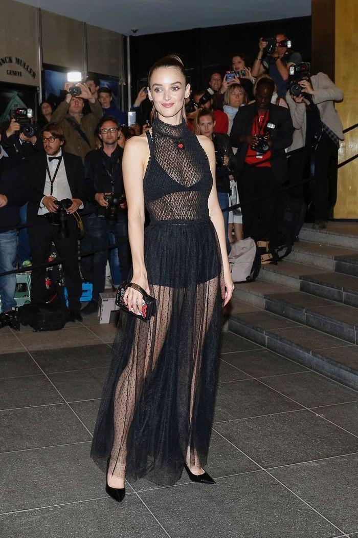 Charlotte Le Bon en robe transparente