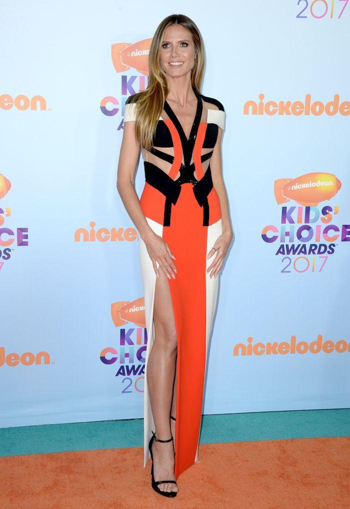 La robe fendue de Heidi Klum