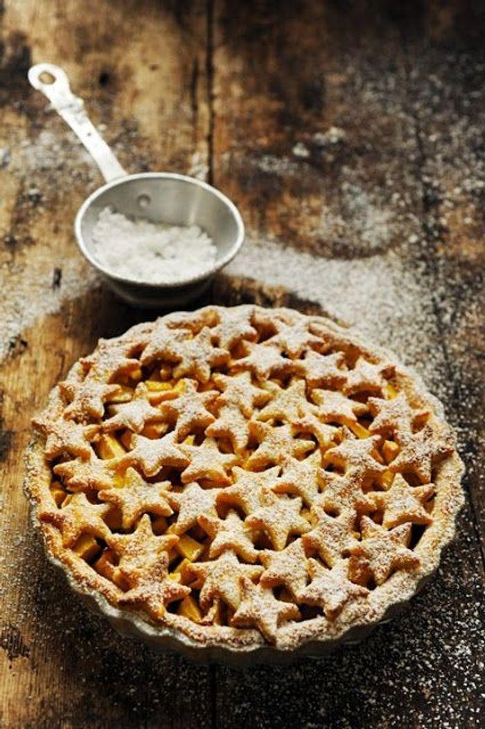 Christmas cake une tarte aux pommes de f te christmas - Comment couper des pommes pour une tarte ...