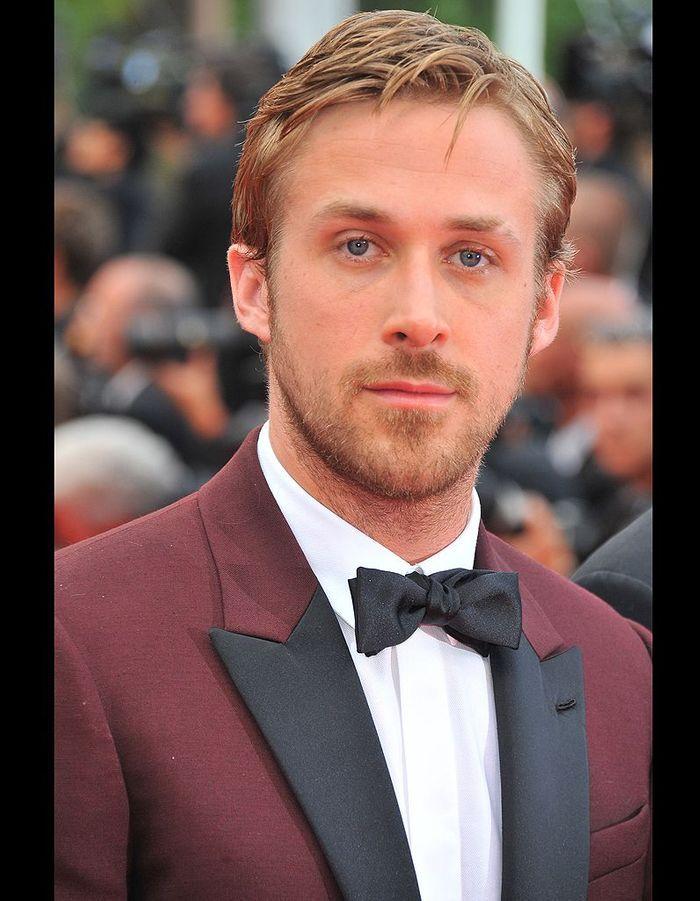 Au festival de Cannes 2011 costume rouge