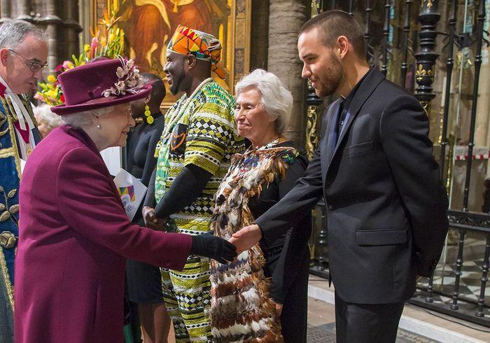 La reine d'Angleterre et Liam Payne