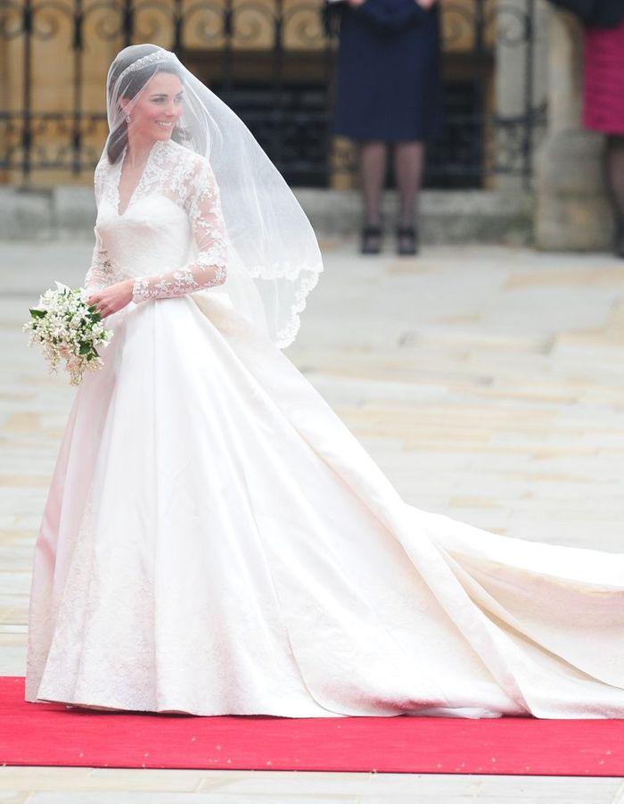 Sa robe de mariage les robes de kate middleton dans le for Noms de style de robe de mariage