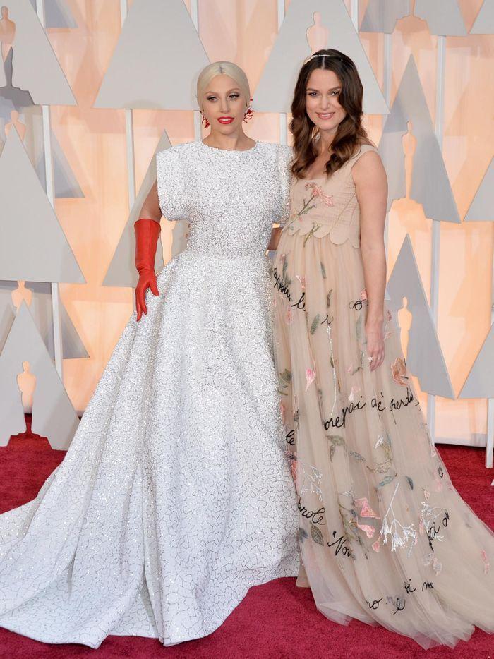 Oscars 2015 keira marion julianne les plus belles robes de la c r monie elle for Les plus belles moquettes