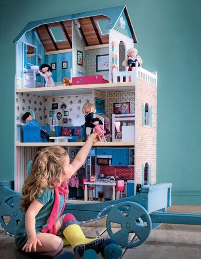 Maison en bois amanda family verbaudet 50 cadeaux pour for Amanda family maison