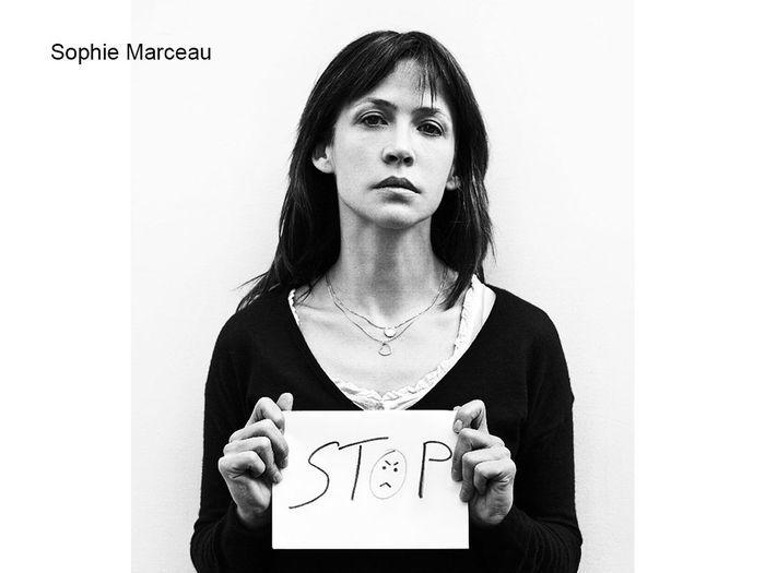 sophie marceau syrie soutenez la vague blanche contre les massacres elle. Black Bedroom Furniture Sets. Home Design Ideas