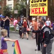Une fillette de 7 ans brandit le drapeau LGBT face à un homophobe