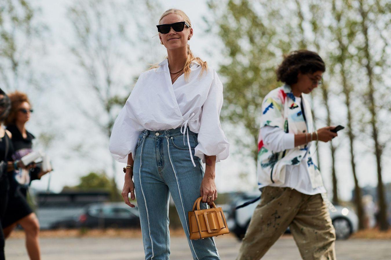Une blouse cache coeur + un jean taille haute