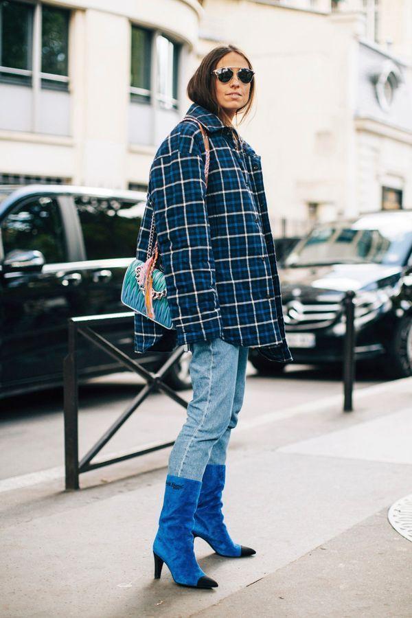 Une veste à carreaux XXL + des bottines bleues