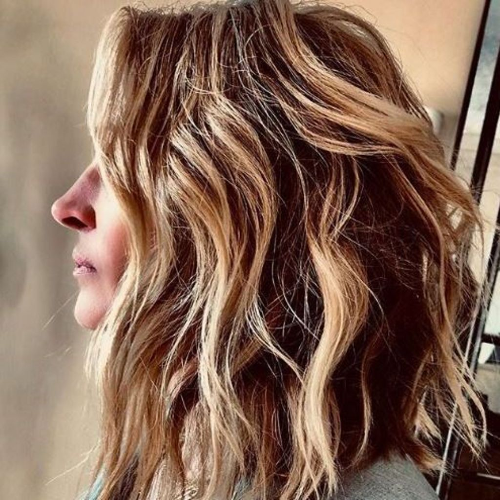 Coupe de cheveux en couleur