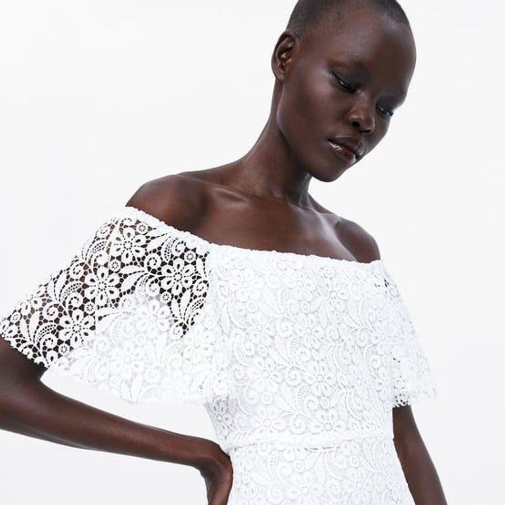 Zara imagine la robe parfaite à porter au