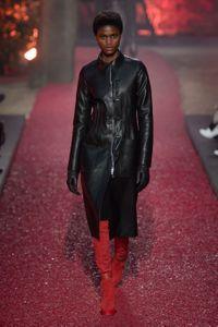 Hermès   l histoire mode de la marque, ses derniers défilés - Elle 58a36b5e19a