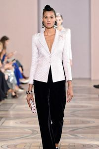 Défilé Giorgio Armani Privé  Haute Couture Automne-Hiver 2019-2020