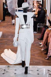 Défilé Balmain Haute Couture Printemps-été 2019